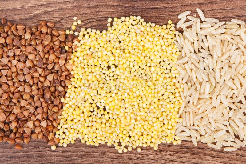 Trigo mourisco, aveia em flocos do painço e arroz, conceito saudável, sem glúten do alimento imagem de stock royalty free