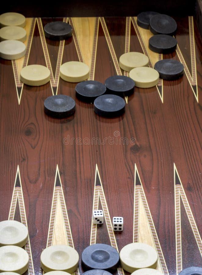 Trik-trak gra z dwa kostka do gry z przestrzeni? dla teksta lub wizerunku, fotografia stock