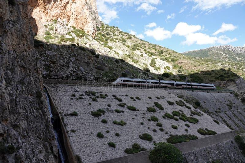 Trilha do trem em Caminito del Rey na Andaluzia, Espanha fotografia de stock