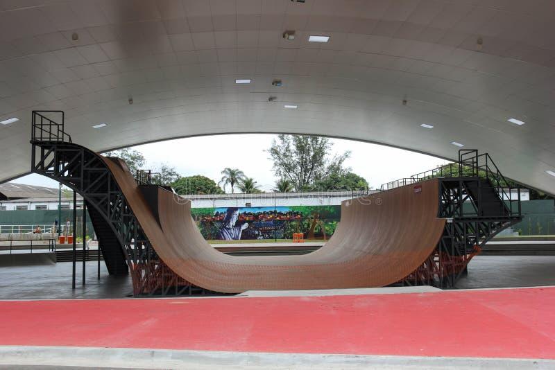 Trilha pública tubulação a maior do parque do patim da meia no mundo imagem de stock royalty free