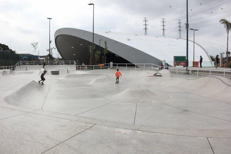 Trilha pública tubulação a maior do parque do patim da meia no mundo foto de stock royalty free
