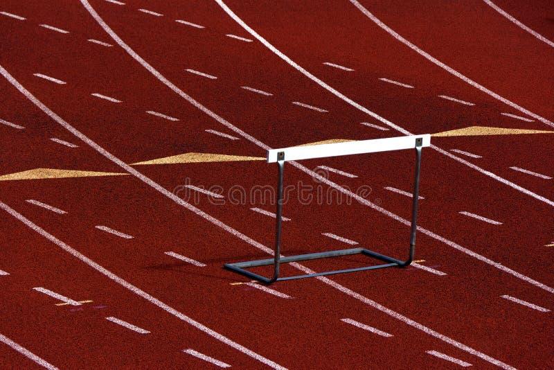 Trilha Running com um obstáculo fotografia de stock