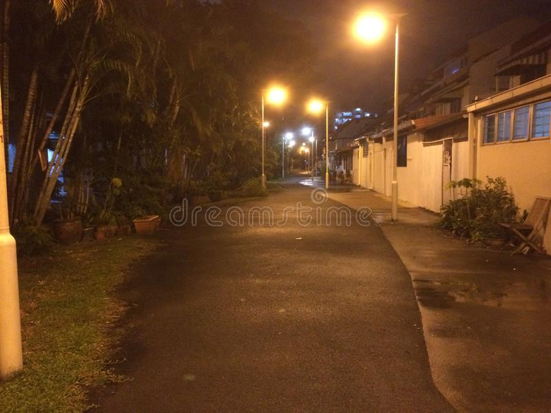 Trilha silenciosa na noite, Singapura fotos de stock royalty free