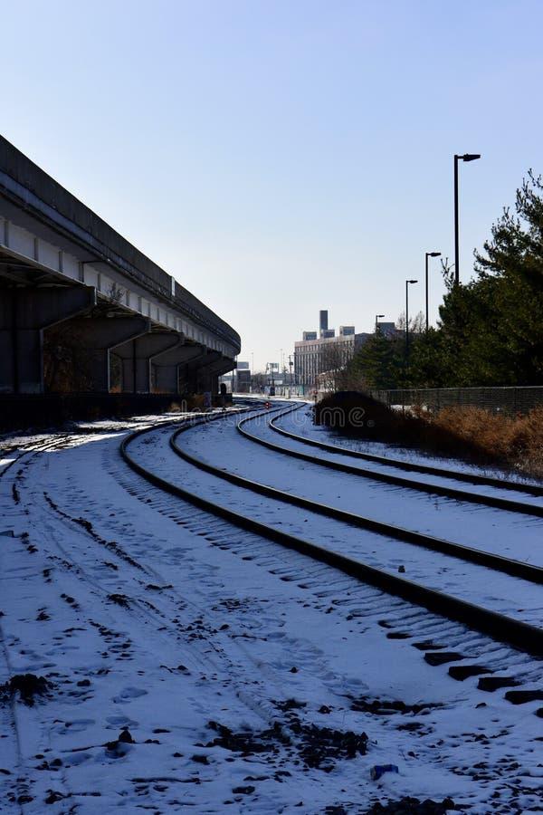 Trilhas de estrada de ferro do trem de mercadorias imagens de stock royalty free