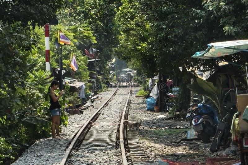 Trilhas de estrada de ferro em Banguecoque imagens de stock
