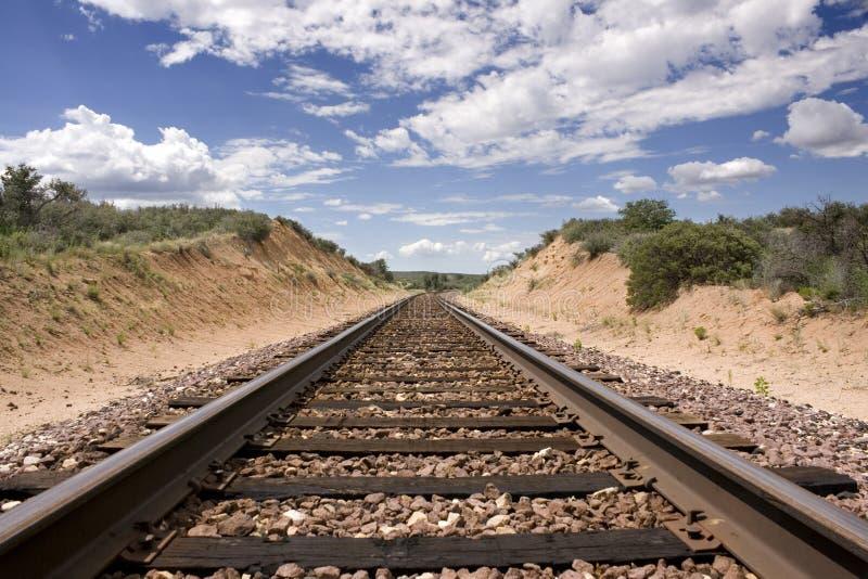 Trilhas do trem do deserto fotos de stock royalty free