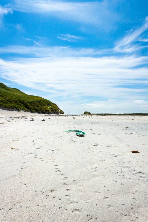 Trilhas na areia Areia de Cata, Sanday, Orkney, Escócia fotografia de stock royalty free