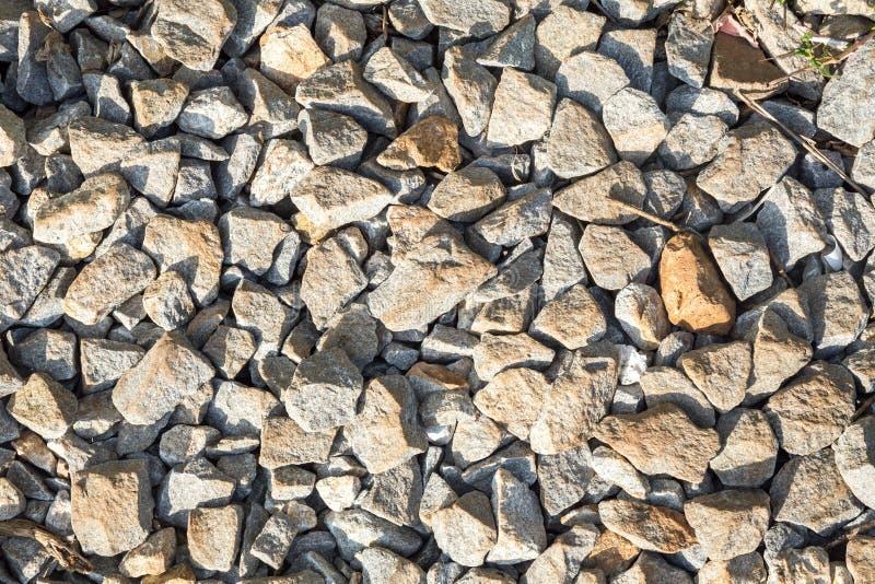 trilhas Railway da rocha, fundo de pedra imagens de stock