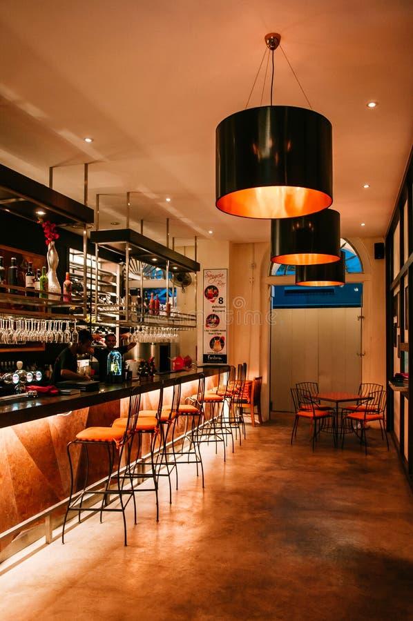 Trillend bar binnenlands ontwerp in Singapore royalty-vrije stock foto