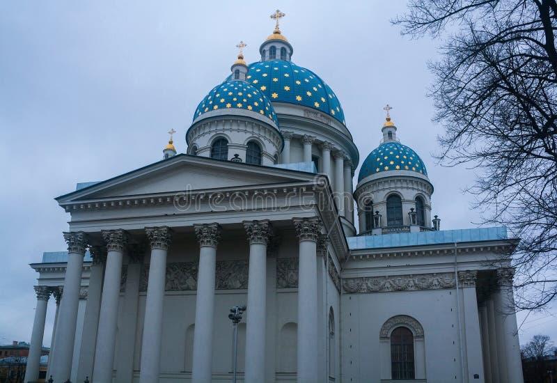 A trindade a catedral de Troitsky, St Petersburg, Rússia imagem de stock