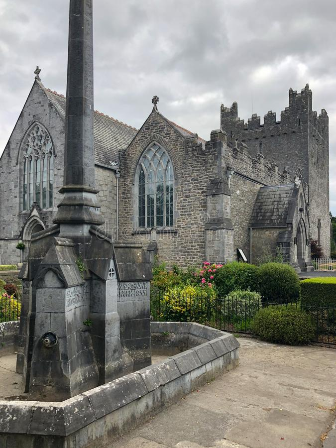 Trindade santamente Abbey Church em Adare, Irlanda foto de stock