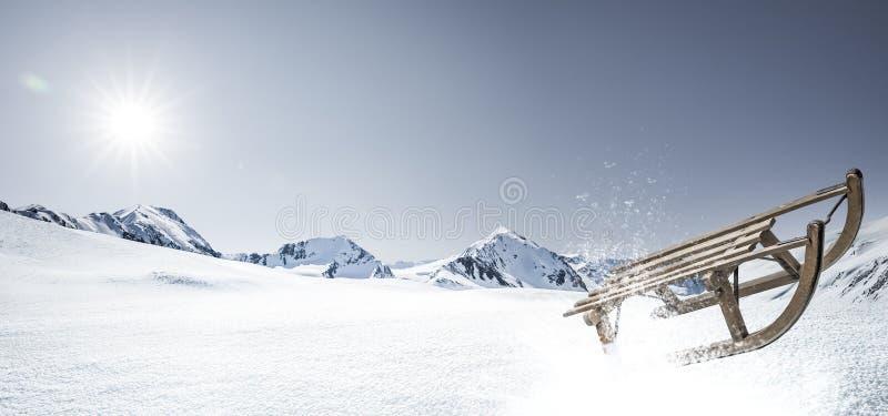 Trineo en nieve fotografía de archivo