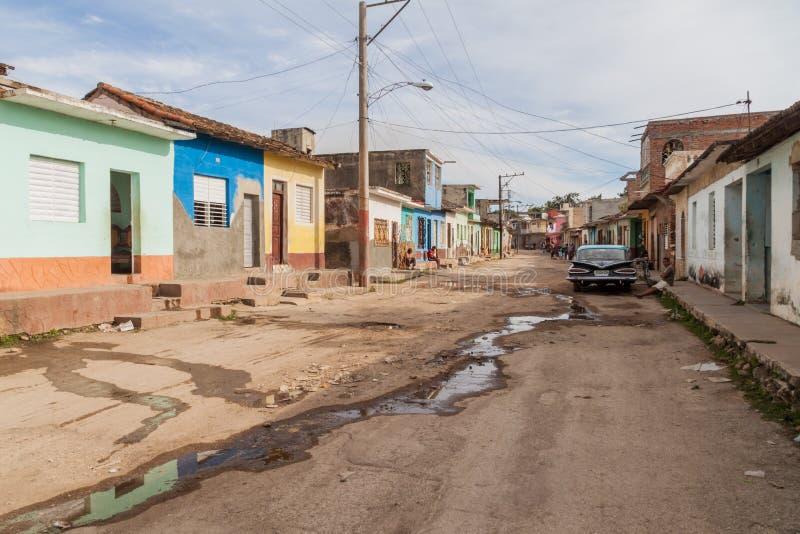 TRINIDAD, CUBA - 8 DE FEBRERO DE 2016: Vista de una calle en el centro de Trinidad, Cub foto de archivo libre de regalías