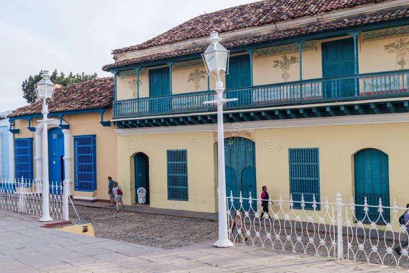 TRINIDAD, CUBA - 8 FEBRUARI, 2016: Koloniaal huis op het vierkant van de Pleinburgemeester in Trinidad, Welp royalty-vrije stock afbeeldingen