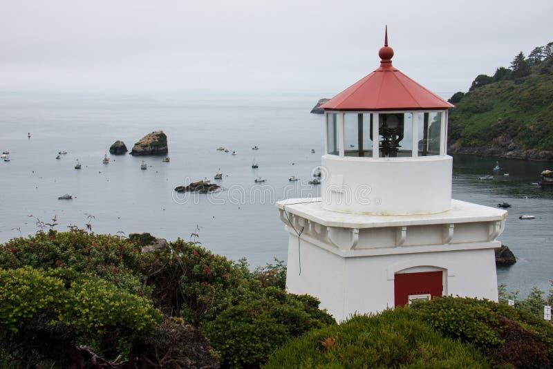 Trinidad Head Lighthouse i Trinidad California nära Stilla havet arkivbilder