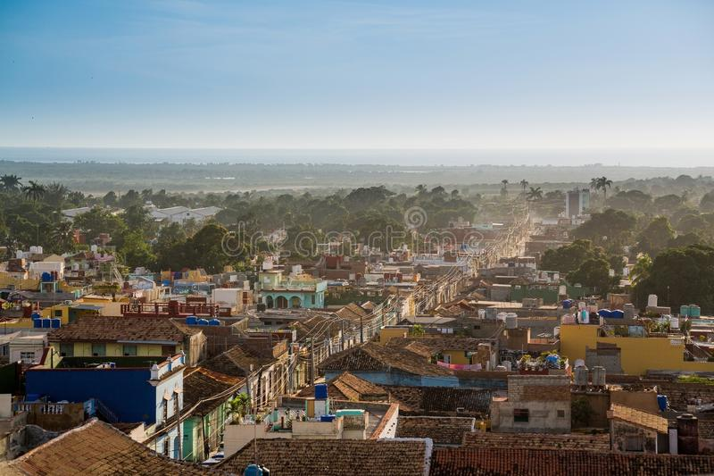 Trinidad Kuba p? solnedg?ngen arkivfoton