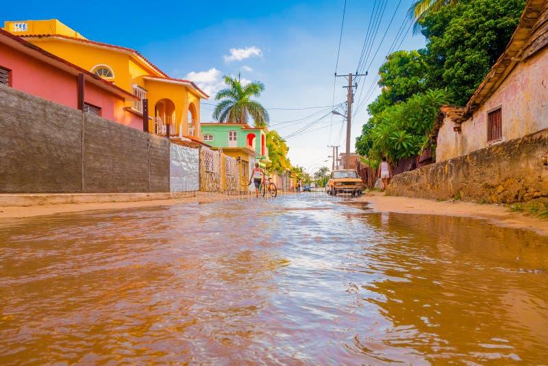TRINIDAD KUBA - SEPTEMBER 8, 2015: Översvämmat royaltyfri bild
