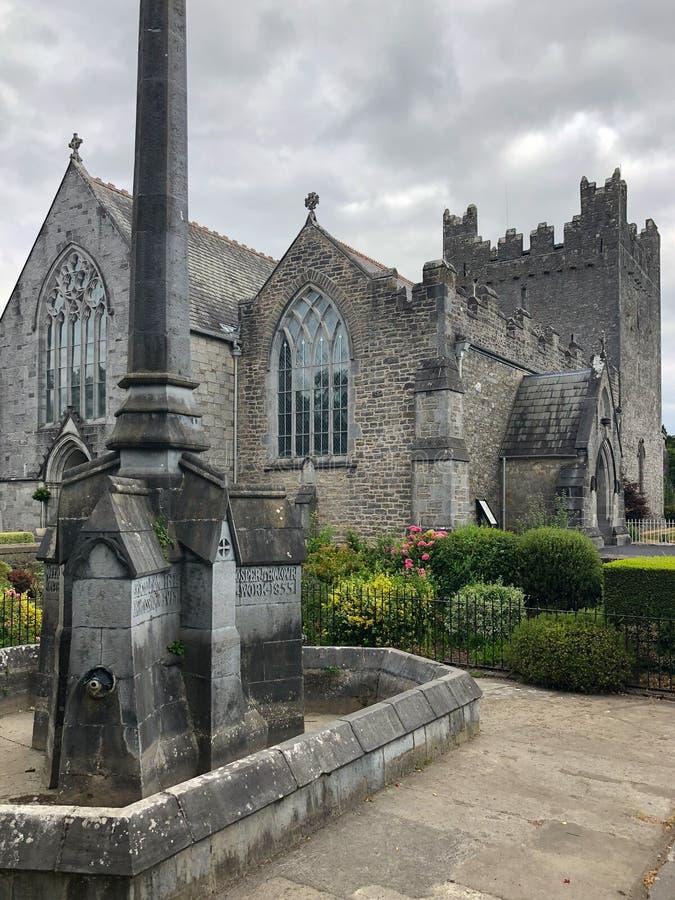 Trinidad santa Abbey Church en Adare, Irlanda foto de archivo