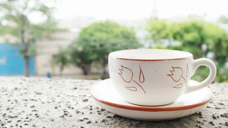 Trinken eines Tees stockfotografie