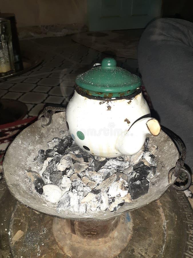 Trinken Sie den Wüstentee in einer der Diäten im Haus und trinken Sie Tee ist die Tradition der Menschen in der Region lizenzfreie stockfotos