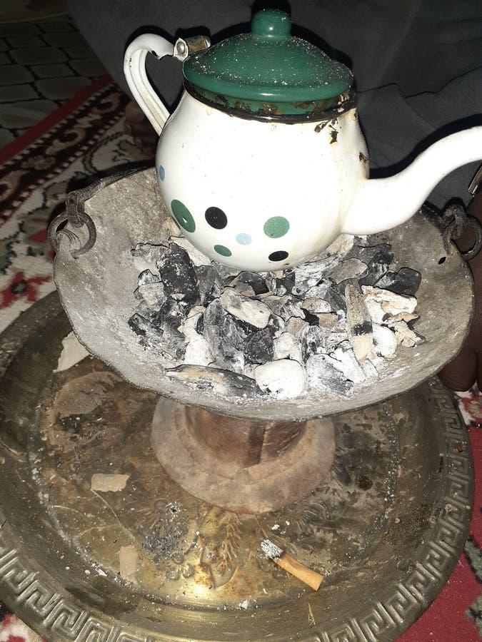 Trinken Sie den Wüstentee in einer der Diäten im Haus und trinken Sie Tee ist die Tradition der Menschen in der Region stockfotos