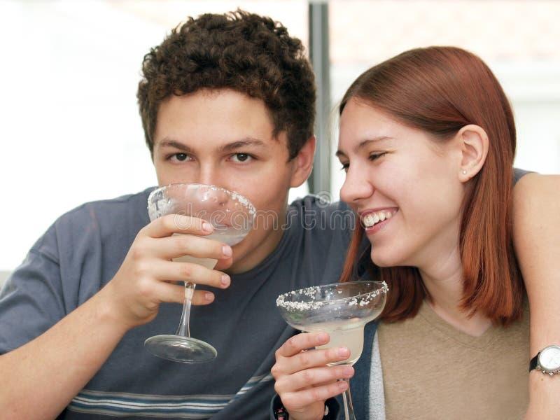 Trinkender Margarita stockfotos