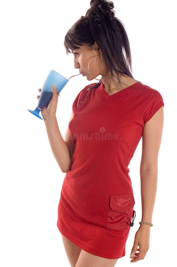 Trinkender Saft des Mädchens lizenzfreie stockbilder