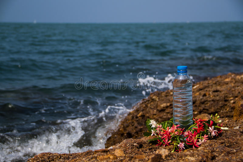 Trinkwasserflasche lizenzfreies stockfoto