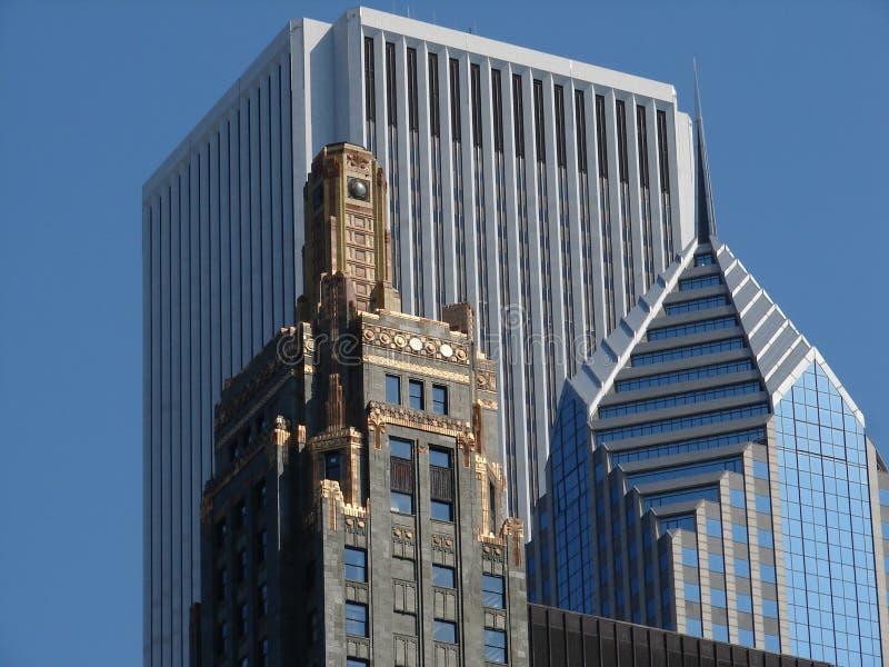 Trio d'architecture de Chicago : Construction de centre, de carbure et de carbone d'AON, plaza deux de prudence photos libres de droits