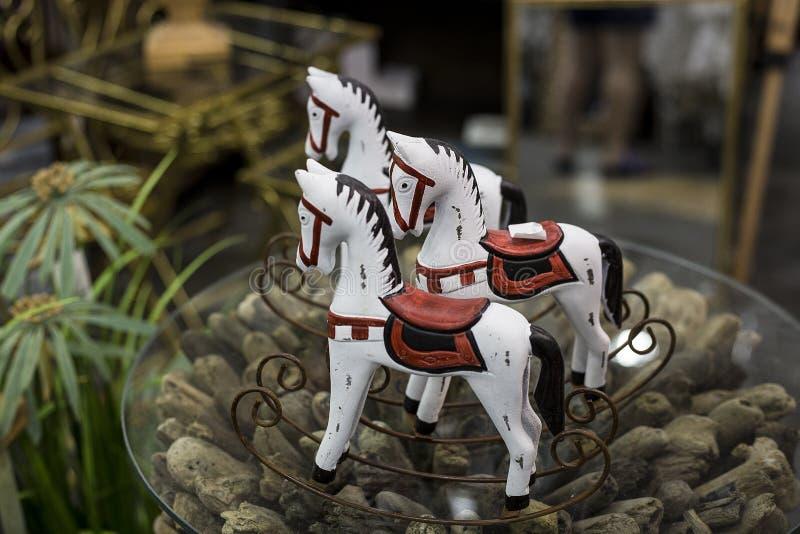 Trio dos cavalos brancos imagens de stock royalty free