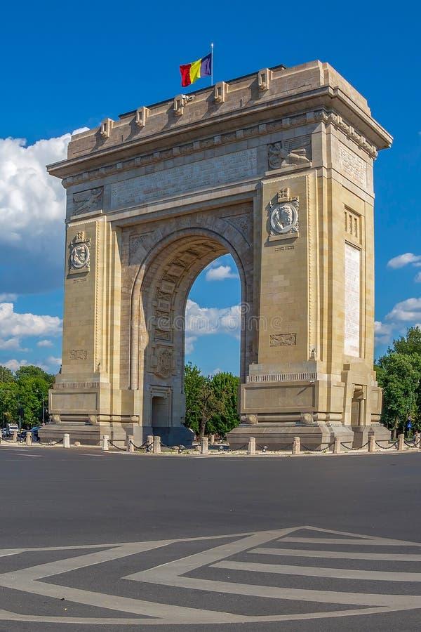 Triomfantelijke Boog in Boekarest, Roemenië stock foto's