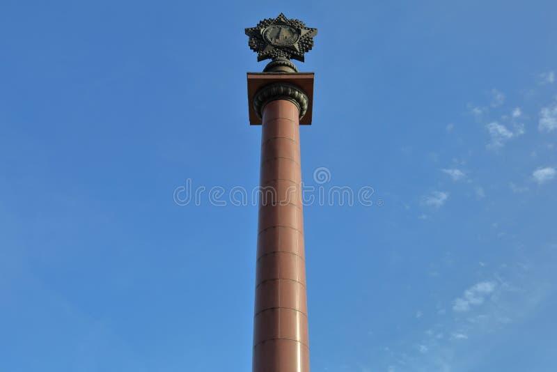 Triomfantelijke kolom in Kaliningrad, Rusland stock foto's