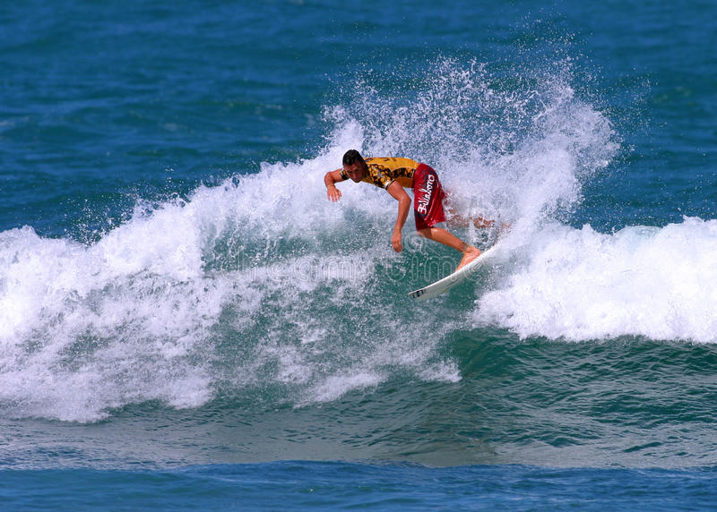 Triple Crown di Joel Parkinson di praticare il surfing immagini stock libere da diritti