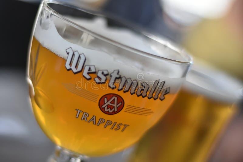 Triple de la cerveza de Westmalle imagenes de archivo