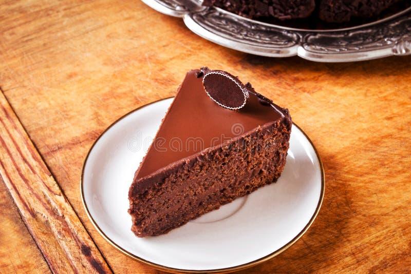 Triplez le gâteau de chocolat photos stock
