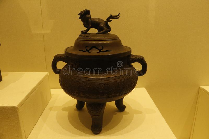 Tripodugnen i det Shenyang slottmuseet, Kina royaltyfria foton