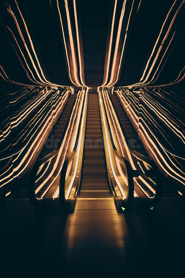 Trippy эскалатор стоковое фото