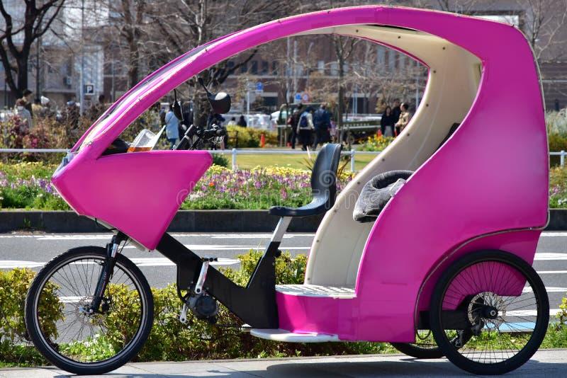 trishaw出租汽车的场面 免版税图库摄影