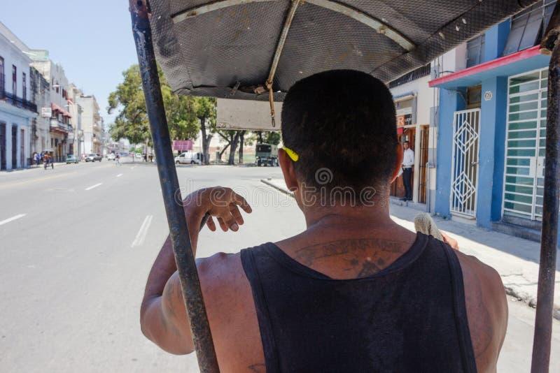 Trishaw cubain dans le centre ville de La Havane Vue de l'intérieur de photos libres de droits