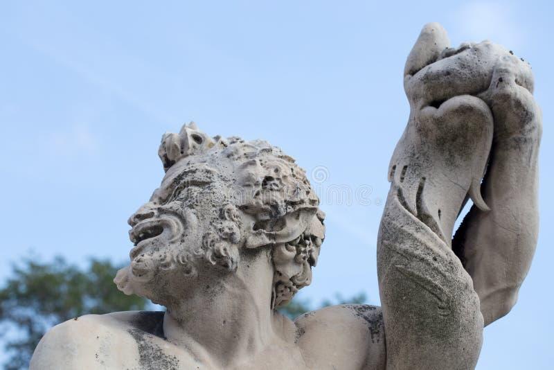 Triton-standbeeld in de tuin van het Prins` s Paleis, het Paleis van Andrea Doria ` s in Genoa Genova, Italië stock foto's