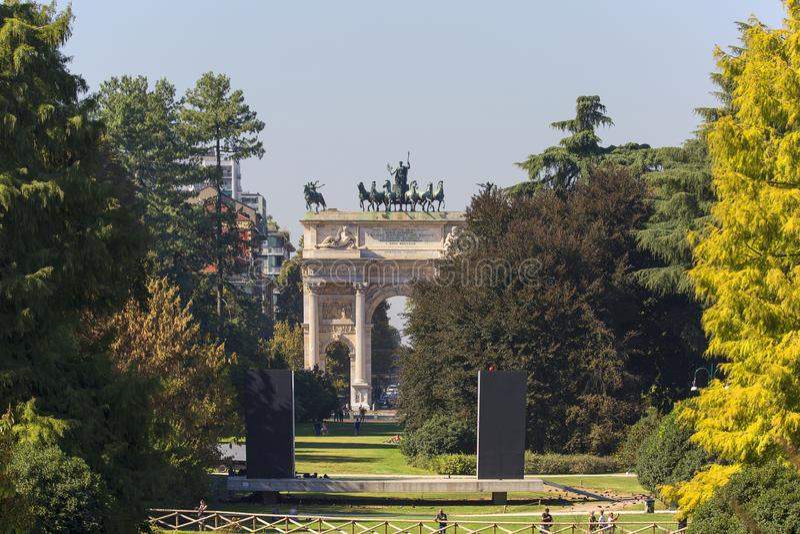 Triumf- båge, bågen av fred, Milan, Italien fotografering för bildbyråer