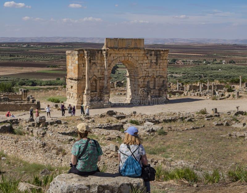 Triumfalny łuk cesarz Caracalla w Volubilis, Maroko obraz royalty free