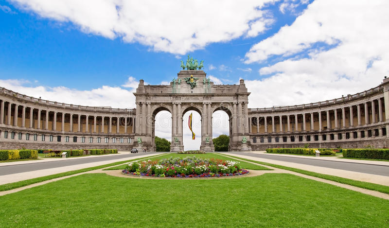 Triumfalny łuk w Cinquantenaire Parc w Bruksela, Belgia w obraz royalty free
