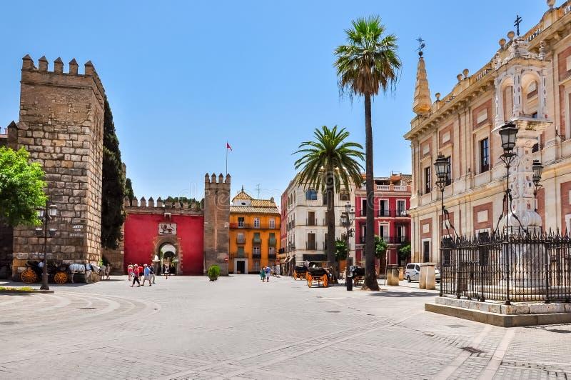 Triumph Square Plaza Del Triumfo, Sevilla, Spanien stockbilder