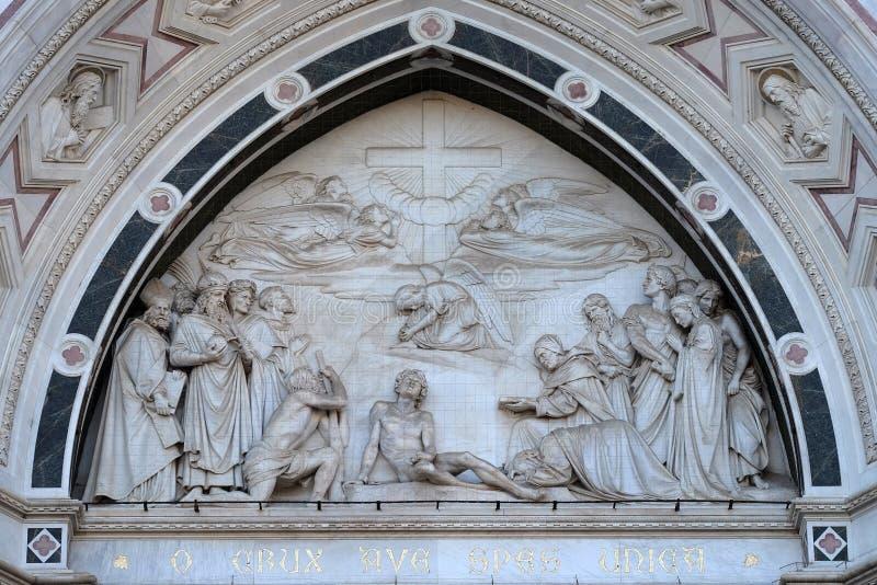 Triunfo de la Cruz, basílica de Santa Croce en Florencia foto de archivo