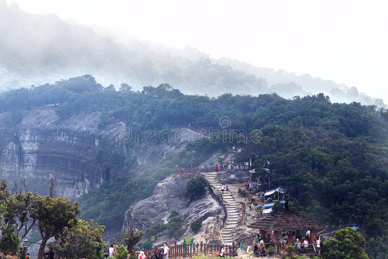 Trivalling wokoło góry Tangkuban Perahu w Bandung, Indonezja fotografia royalty free