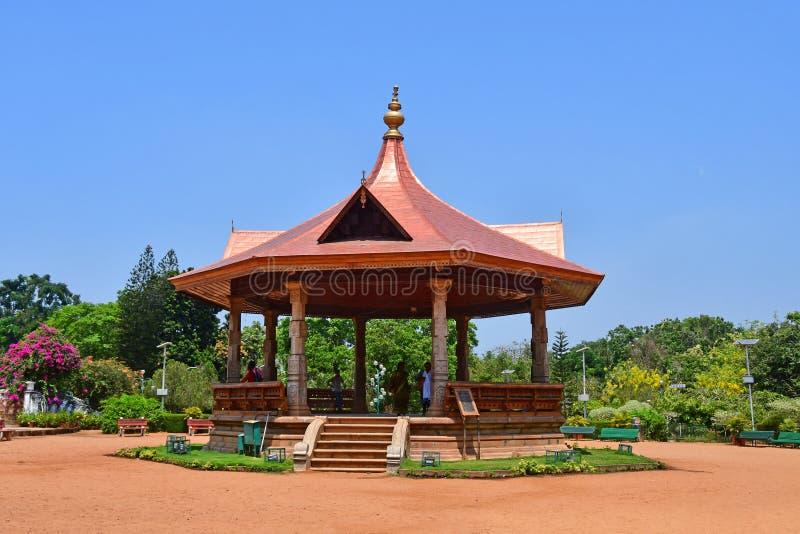 Trivandrum Thiruvananthapuram, κράτος Κεράλα, Ινδία, 12 Μαρτίου, 2019 Gazebo στον κήπο πόλεων Ινδία, Κεράλα, πόλη Thir Trivandrum στοκ εικόνα με δικαίωμα ελεύθερης χρήσης