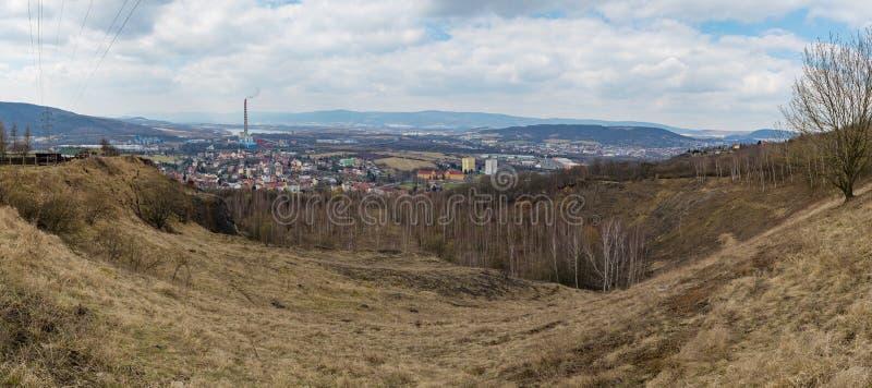 Trmice乌斯季nad Labem工业市全景 库存照片