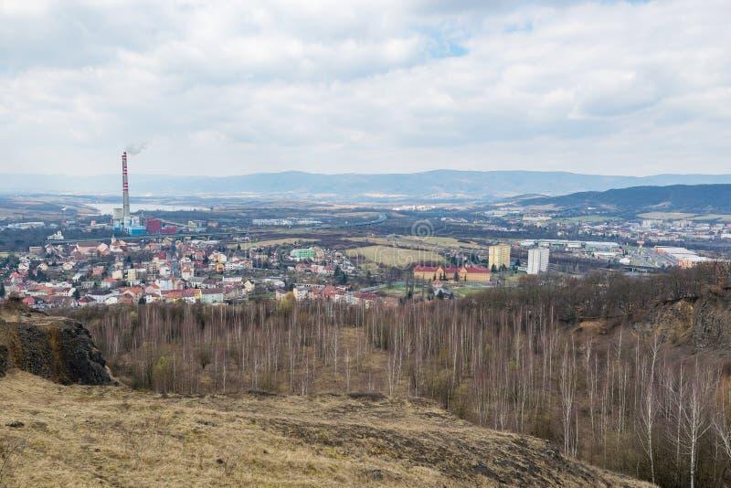Trmice乌斯季nad Labem工业市全景 图库摄影