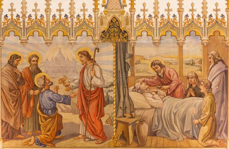 Trnava - de neogotische fresko van fhescène Jesus geeft sleutels aan Peter en de scène de Apostelen bij viaticum stock afbeelding